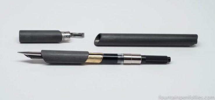Venvstas Carbon T fountain pen three parts