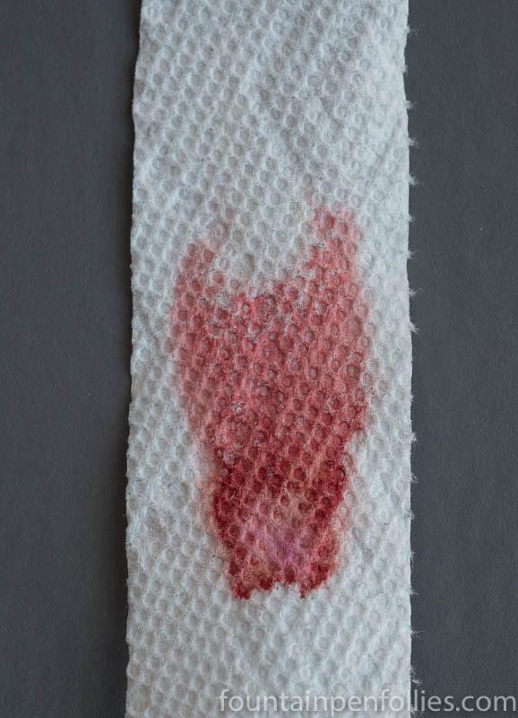 De Atramentis Document Red paper towel chromatography